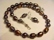 Stora grå pärlor med örhängen