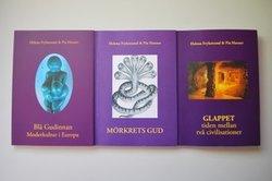 Trilogin = 3 böcker:  Blå Gudinnan+Mörkrets gud+Glappet