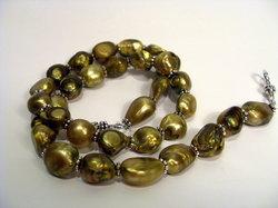 Halsband med gyllene Barock-pärlor